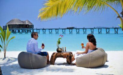 couple on honeymoon at Mombasa