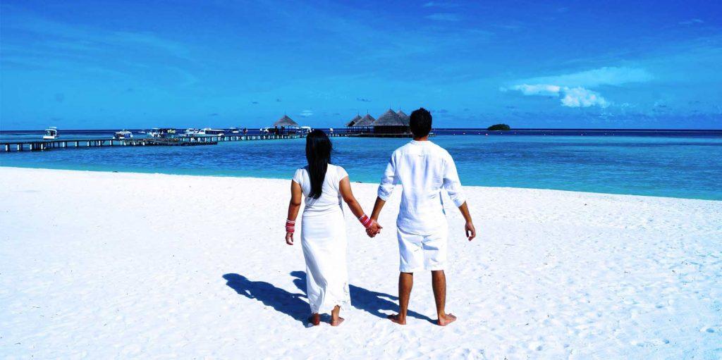 couple having honeymoon in Kenya