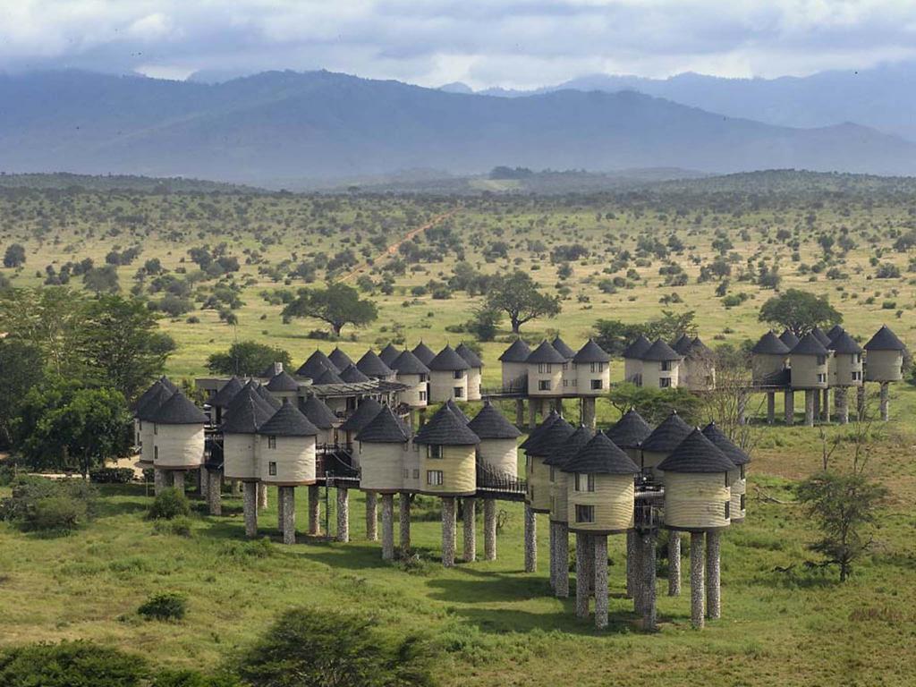 lodges in Tsavo national park